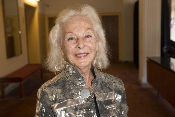 Ikinuori Seela Sella elää kiireistä eläkeläisen elämää.