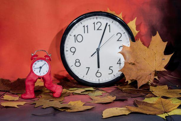 Kellojen siirtelyn lopettaminen ei näytä toteutuvan ainakaan ihan lähivuosina.