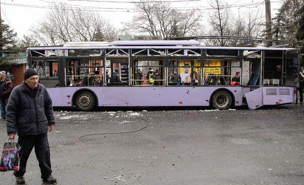Donetskin eilisessä tulituksessa kuoli kahdeksan bussimatkustajaa.