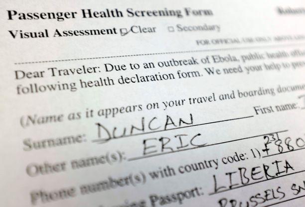 Tartunnan saaneella Thomas Duncanilla teetettiin terveyskysely Liberian lentokentällä. Liberialaisten mukaan Duncan valehteli kyselyssä.