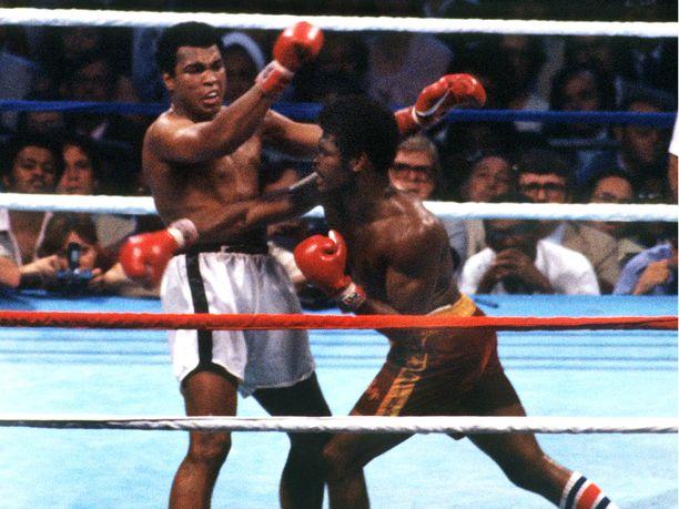Muhammad Ali ja Leon Spinks ottivat revanssin mestaruudesta New Orleansissa 1978.