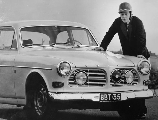 Hannu Mikkolan ralliura käynnistyi 1960-luvulla Volvon ratissa.