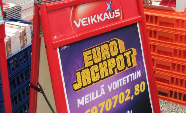 Suurin mahdollinen Eurojackpot-voitto eli 90 miljoonan euron potti osui perjantaina Suomeen.