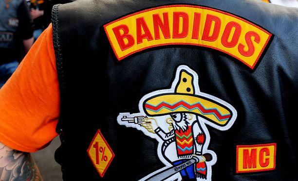 Juttukokonaisuudessa kahdeksasta syyteystä neljä on Bandidos-liivijengin jäseniä. Kuvituskuva.