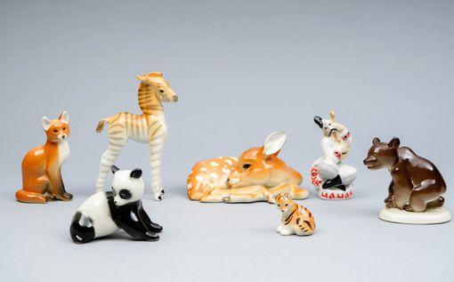 Venäläisen Lomonovosin valmistamat figuurit myytiin vasarahintaan 122 euroa.