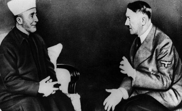 Haj Amin al-Husseinin ja Adolf Hitler keskustelevat.