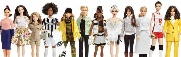 Tämän päivän roolimalleja kuvaavien Barbie-nukkejen esikuvina ovat (vasemmalta oikealle) espanjalainen yrittäjä ja muotisuunnittelija Vicky Martin Berrocal, kiinalainen näyttelijä ja filantrooppi Xiaotong Guan, australialainen luonnonsuojelija Bindi Irwin, italialainen jalkapalloilija Sara Gama, yhdysvaltalainen lumilautailija Chloe Kim, puolalainen journalisti Martyna Wojciecowska, englantilainen nyrkkeilijä Nicola Adams OBE, kiinalainen prima ballerina Yuan Yuan Tan, yhdysvaltalainen elokuvaohjaaja Patty Jenkins, ranskalainen kokki Hélène Darroze, kiinalainen lentopalloilija Hui Ruoqi ja saksalainen muotisuunnittelija ja yrittäjä Leyla Piedayesh. (Kuvan voi klikata suuremmaksi.)