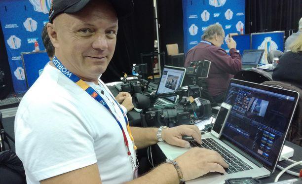Montrealissa asuva freelance-toimittaja Zdenek Matejovsky on raportoinut NHL:stä Eurooppaan 20 vuoden ajan.