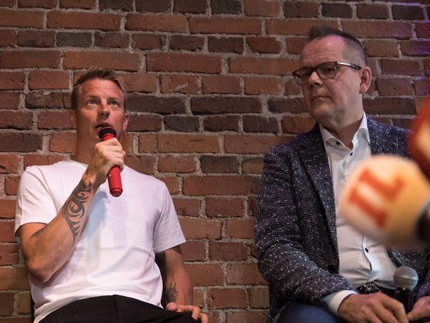 Kimi Räikkönen ja Kari Hotakainen kertoivat yhdessä tekemästään kirjasta 16. elokuuta Helsingissä järjestetyssä julkistamistilaisuudessa.