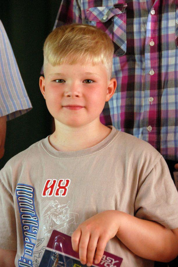 Lasten sarjan voittaja Juho Rönnqvist oli yhtä hymyä kuultuaan tuloksen.