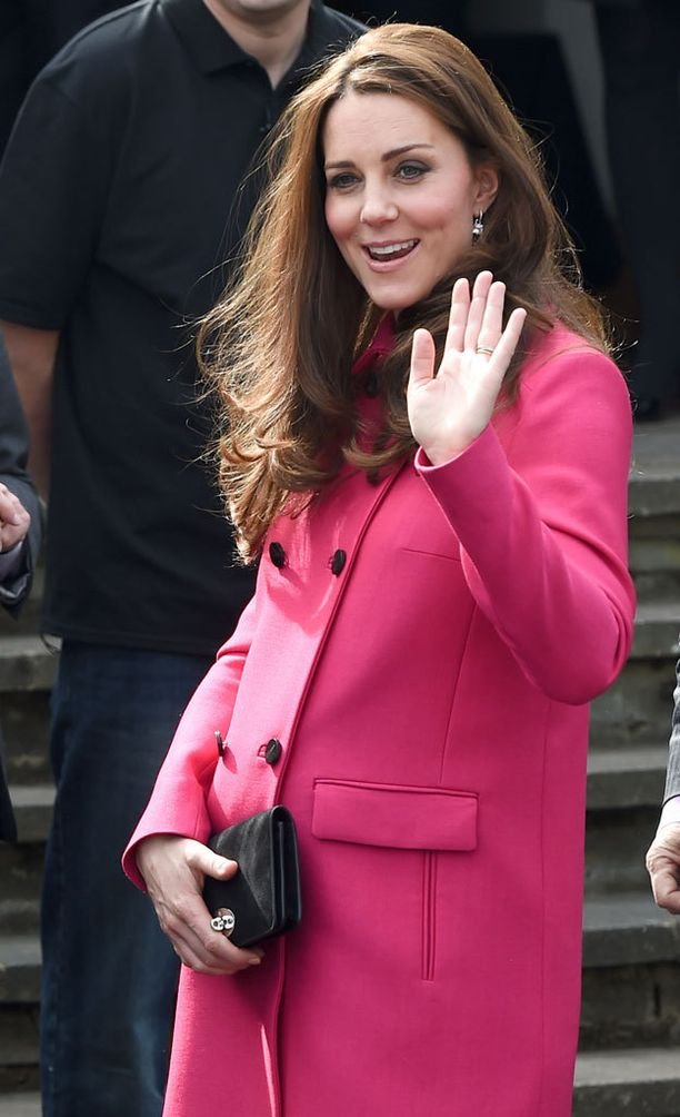 Cambridgen herttuattaren maha on kauniisti pyöristynyt.