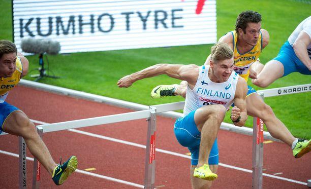 Pika-aituri Elmo Lakka oli Suomen miesten harvoja valopilkkuja lauantaina.