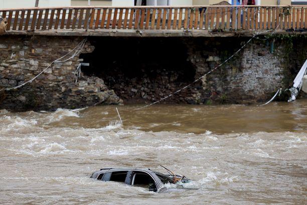 Nordrhein-Westfalenin tulvatilanne on edelleen vakava. Kuva perjantailta.