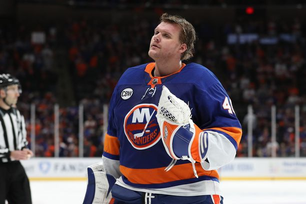 Robin Lehrer pääsi pelamaan Islanders-paidassa myös pudotuspelejä.