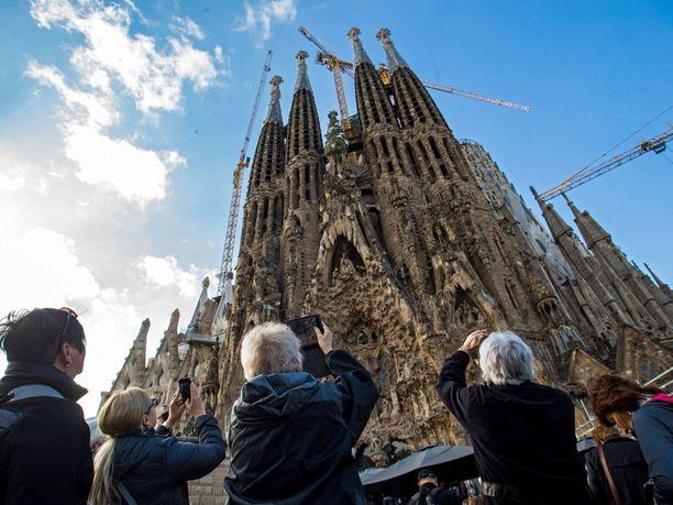 Maailmankuulun kirkon kauneuden näkee vuosittain 20 miljoonaa turistia.