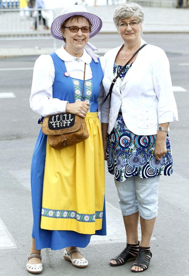 Elisabeth Wilander (vas.) ja Kristina Markovska uskovat, että Ruotsi saa Sofiasta edustavan prinsessan.