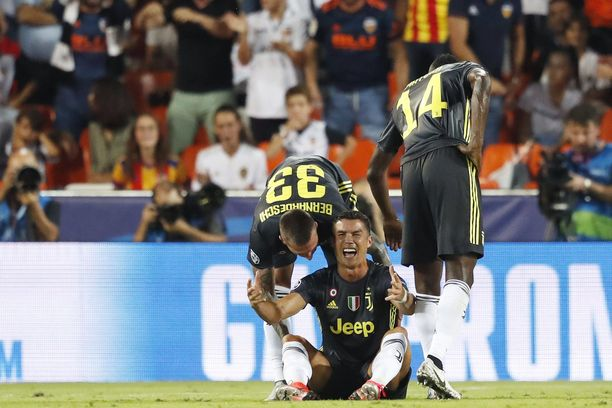Cristiano Ronaldo pettyi punaiseen korttiin niin, että lähti kentältä kyynelehtien.