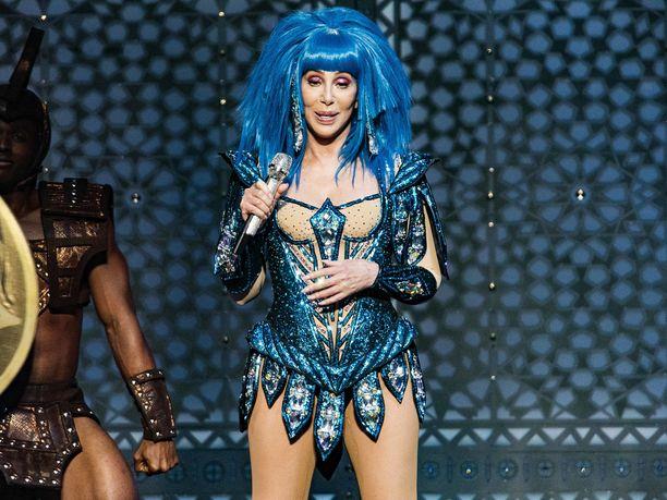 Cher ajautui ongelmiin tviittinsä vuoksi.