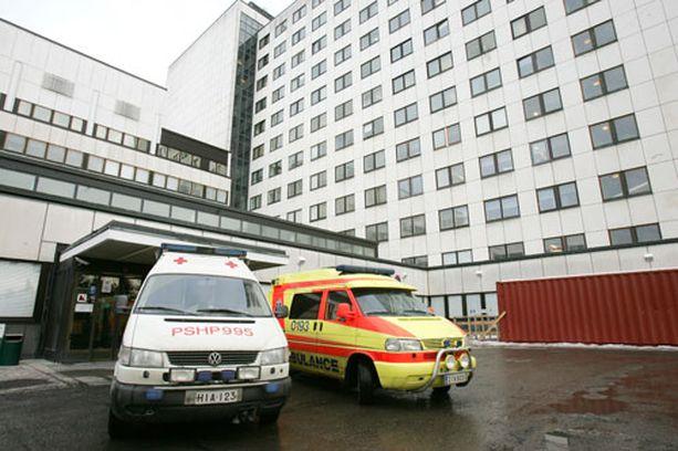 Kovista kivuista kärsinyt potilas joutui odottamaan yli kymmenen kuukautta pääsyä leikkaukseen Tampereen yliopistolliseen sairaalaan.