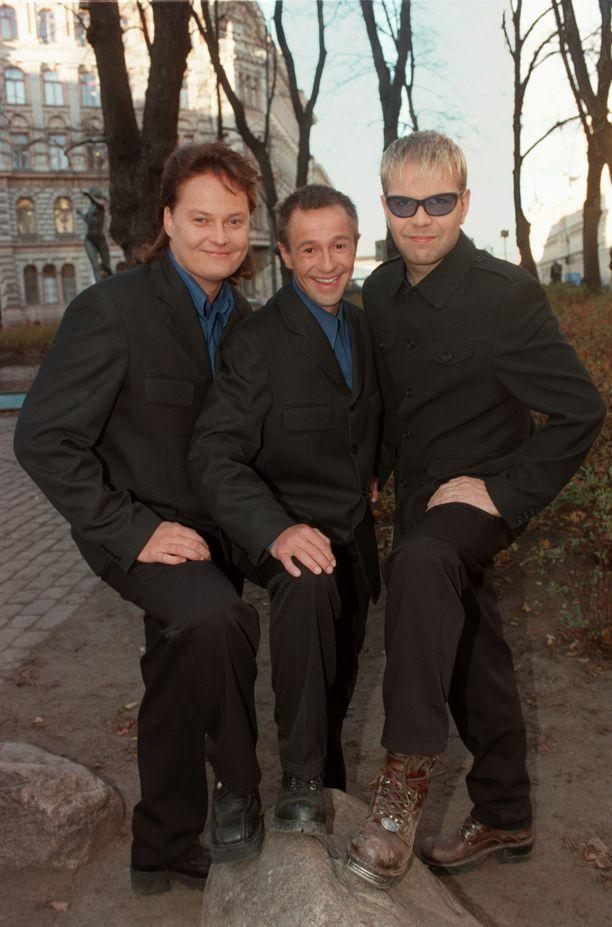 Ikävä lokakuu oli Hausmyllyn hittejä. Yhtye kuvattuna vuonna 1997.