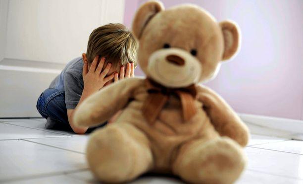 Lasten hyväksikäyttöepäilyt ovat kasvaneet rajusti alkuvuoden aikana.