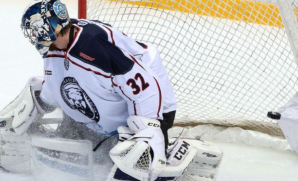 Niko Hovinen lähti keikkahommiin Kuopioon.