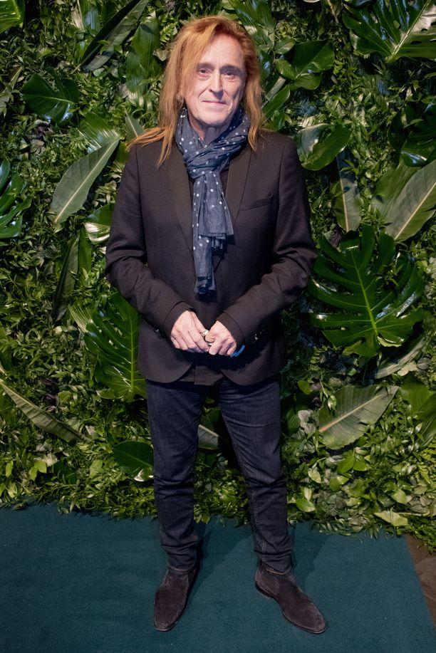 Tommi Läntinen oli tiistaina Selviytyjät Suomi -lehdistötilaisuudessa.