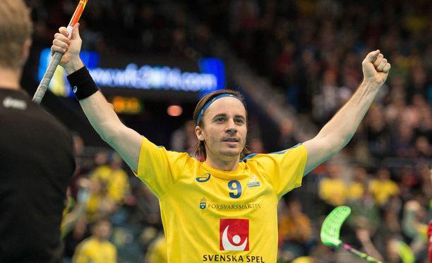 Alexander Galante Carlström ja Ruotsi etenivät jälleen salibandyn MM-finaaliin.