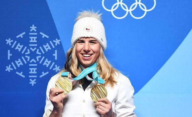 Ester Ledecka voitti Pyeongchangista kaksi olympiakultaa täysin eri lajeista.