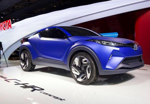 Vapiskaa nissanit ja skodat; tästä Toyotan konseptiauton tuontatoversiosta saattaa tulla suosikki myös Suomessa. Iltalehden valokuvaajan kuva on viime syksyltä Pariisin automessuilta.