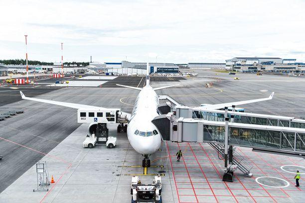 Nyt ilmoitettu työsulku alkaa maanantaina 4.3. kello 09 ja päättyy maanantaina 11.3. kello 9. Kuva on Helsinki-Vantaan lentoasemalta.