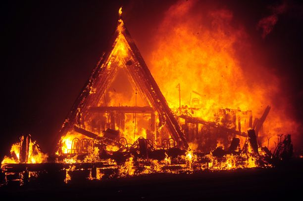 Paradisen kaupunki on käytännössä tuhoutunut täysin.