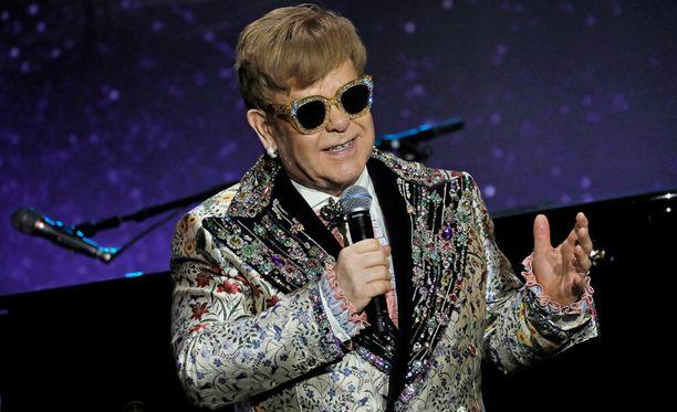 Sir Elton John saattaa osallistua prinssi Harryn häihin.