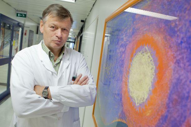 Professori Ilkka Julkunen muistuttaa, etteivät koronarokotteet tuo sataprosenttista suojaa taudilta.