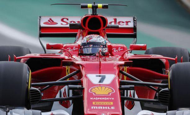 Kimi Räikkönen ei huolestunut perjantain treenien kuudennesta sijasta.