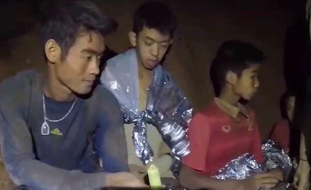 12 poikaa ja heidän valmentajansa jäivät luolaan loukkuun kesäkuun 23. päivä.