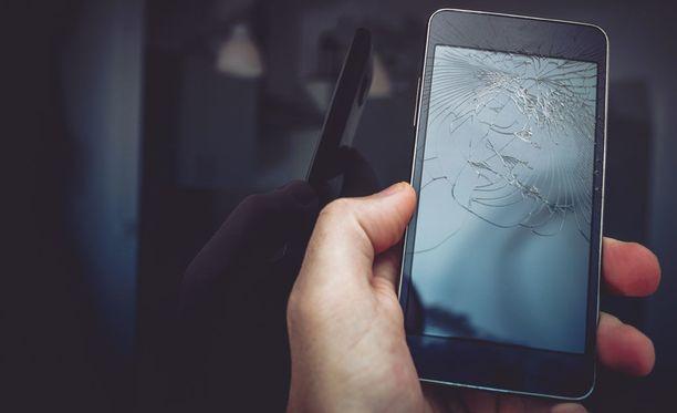 Hajonneen näytön kanssa voi toki tulla toimeen, mutta puhelimen käyttö ei ole silloin kovin nautinnollista.