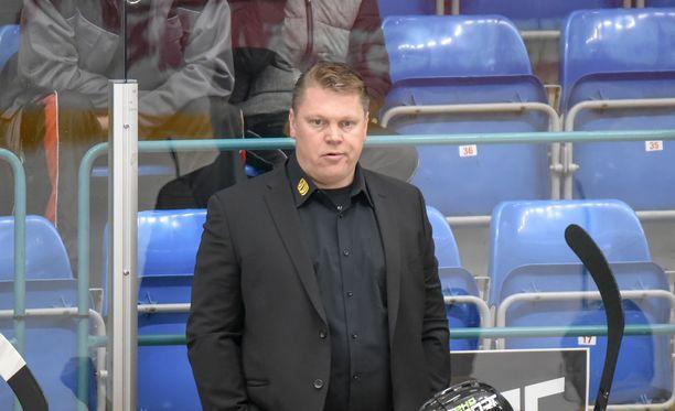 Pekka Virran historiallinen haasto vei Pelicansilta johtomaalin.