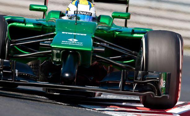 Okei, otetaan mukaan yksi modernikin F1-tykki. Viime vuoden autojen keuloista saatiin monenlaisia mielleyhtymiä. Caterhamin vuoden 2014 ajokin nokka ei kieltämättä kuulu kauneimpiin.