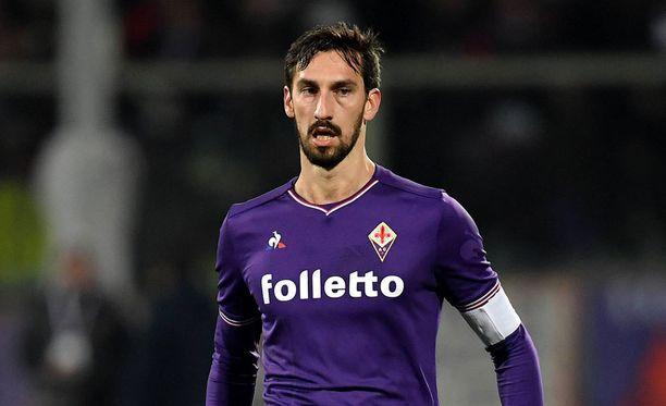 Davide Astori edusti Fiorentinaa.