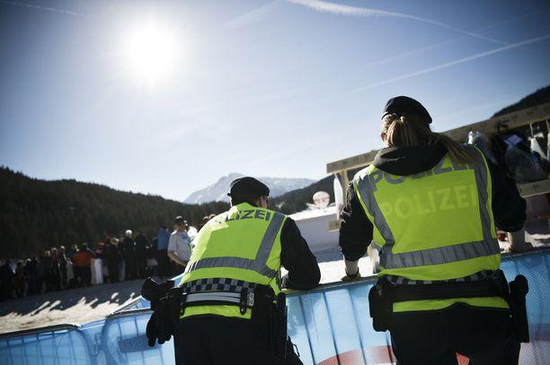 Poliisi teki tarkasti koordinoidun iskun Seefeldin MM-hiihtoihin keskiviikkona.