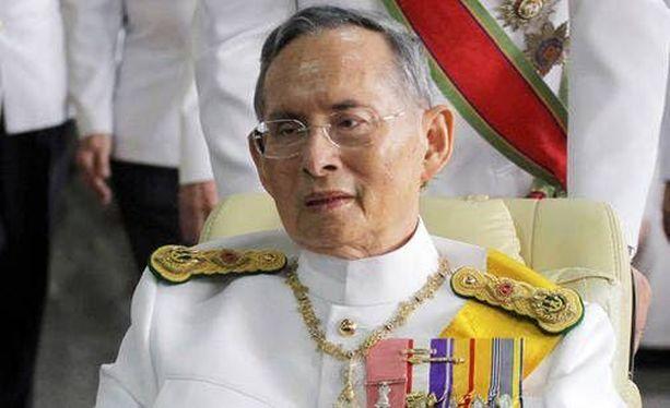 88-vuotias kuningas Bhumipol Adulyadej kuoli pitkän sairauden jälkeen.