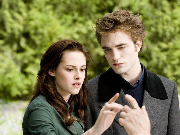 Suosittuihin kirjoihin perustuvat Twilight-elokuvat olivat ilmestyessään valtaisia hittejä. Studio ei ohjaajan mukaan osannut odottaa mittavaa menestystä.