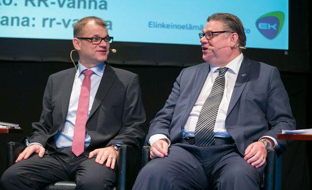 Analytiikkayhtiö Accuscoren mukaan perussuomalaiset on matkalla vaalien kakkospaikalle. Ylhäisessä yksinäisyydessä on edelleen Juha Sipilän johtama keskusta. Analytiikkayhtiön mukaan ero perussuomalaisiin on peräti 14 kansanedustajaa.