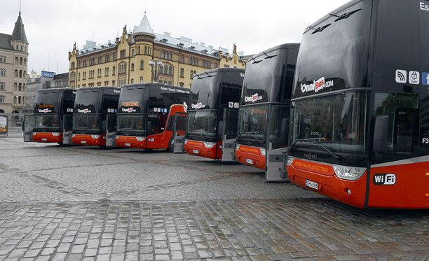 Onnibus pyrkii mukaan raideliikenteeseen.