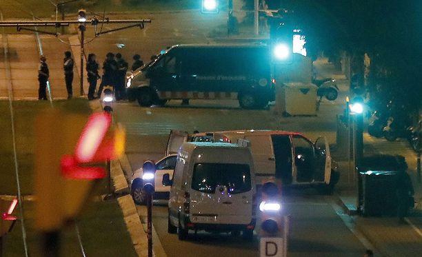 Katalonian poliisilla on meneillään poliisioperaatio Cambrilsin pikkukaupungissa, joka sijaitsee noin 120 kilometrin päässä Barcelonasta.