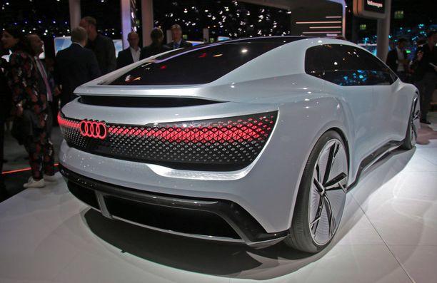 Muoto on väkevä ja massiivinen. Auto on silti ketterä, kerrotaan.