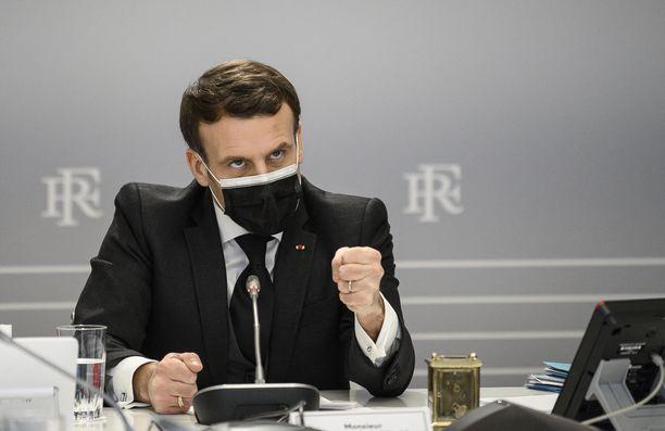 Ranskan presidentti Emmanuel Macron käy kovin ottein radikaalia islamia ja muuta uskonnollista ääriajattelua vastaan.