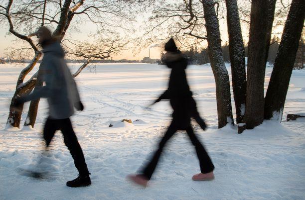 Tänään aurinko näyttäytyy ympäri Suomea.