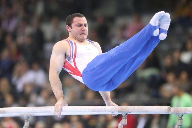 Ashley Watson on kilpaillut telinevoimistelussa huipputasolla.